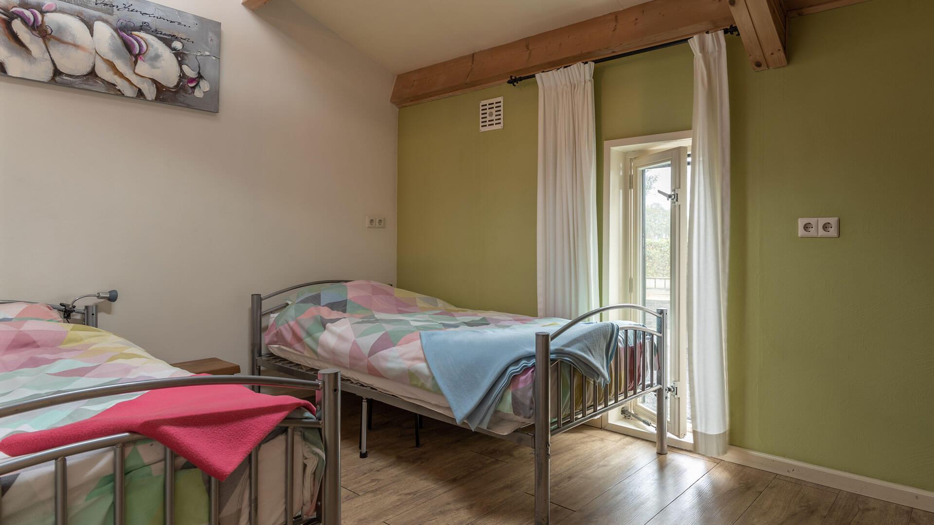 kamer met 2 bedden